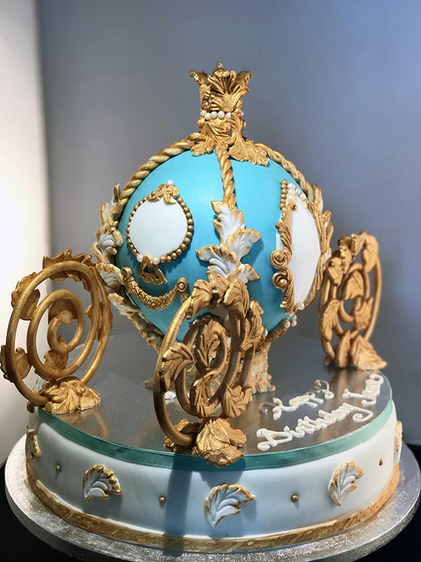 Royal Carriage Cake Blue side