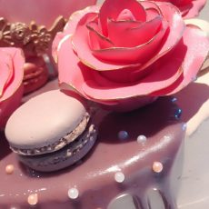 Three pink roses elegant birthday cake