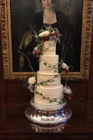 Naked luxurious wedding cake full