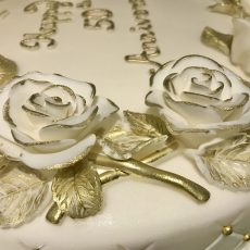 Golden Roses celebration cake