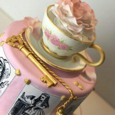 Alice in the Wonderland Cake